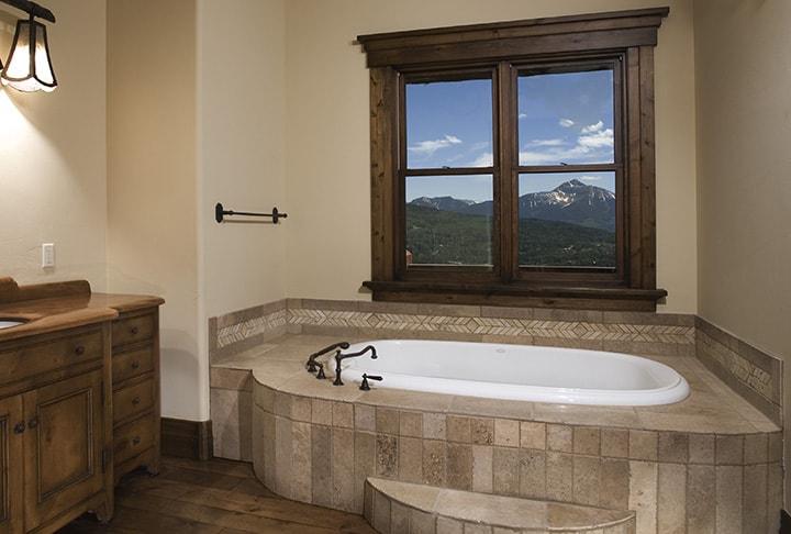 5_Bath.jpg