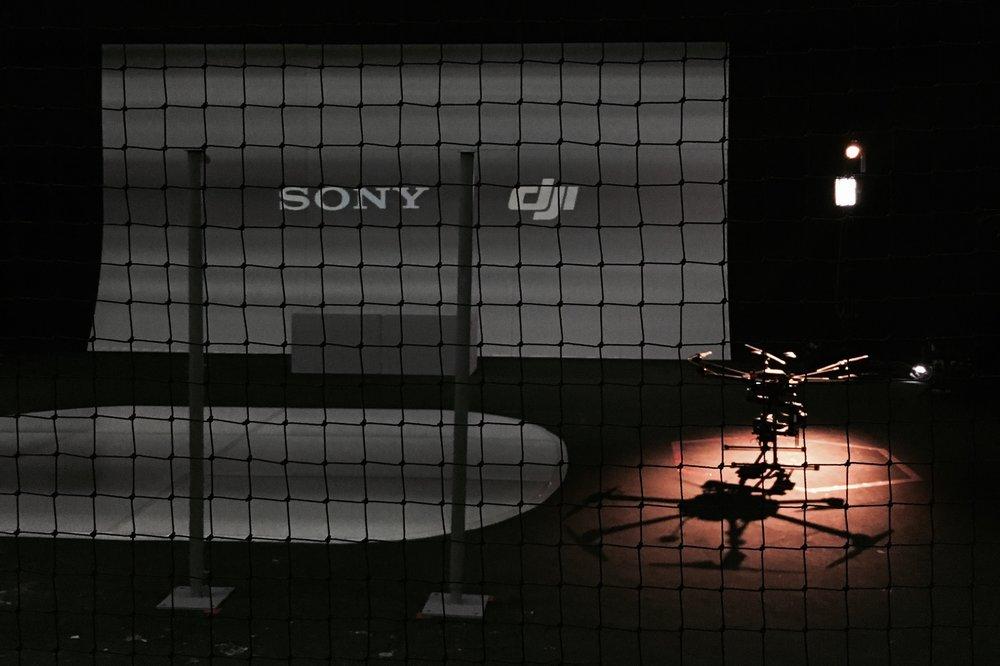 最後仲有得睇兩大品牌 Sony & DJI 合作搞既一場 Live Stunt Show