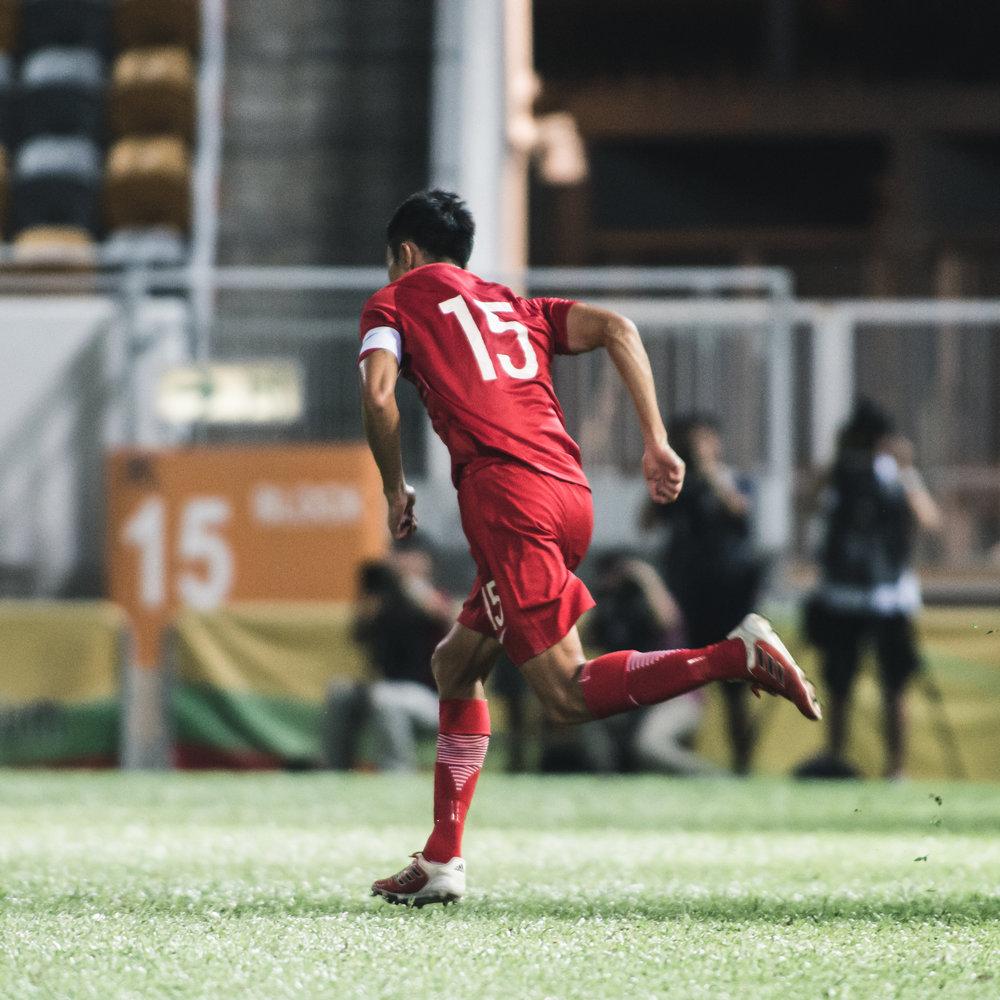 最後一次以香港隊隊長身份在球場奔馳