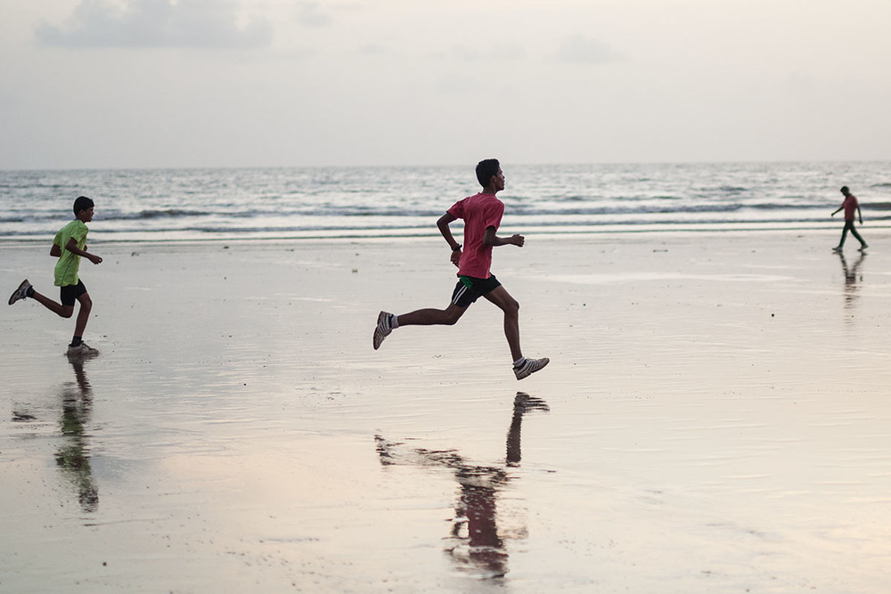 Runners, Juhu beach.