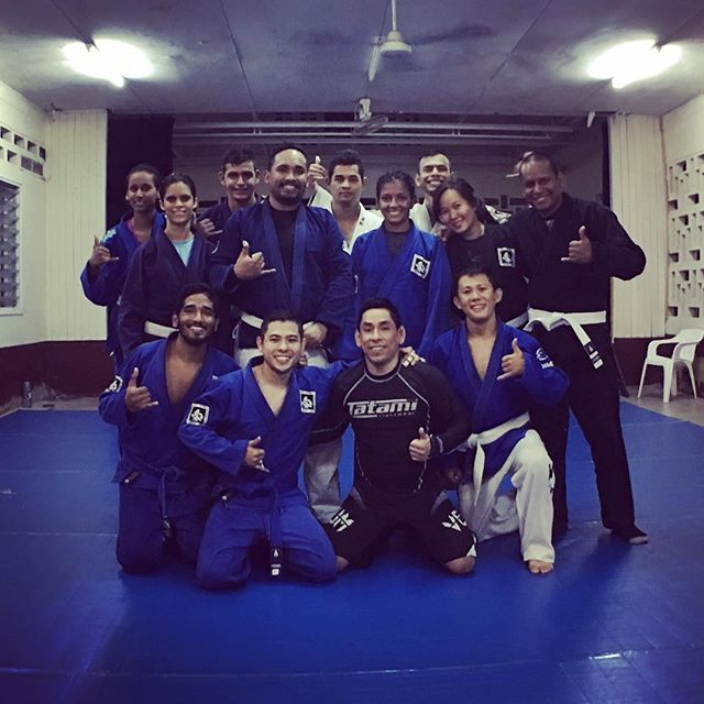 Thanks Team Invictus for letting me train at your gym in Paramaribo one more time! Keep up improving like this! See you next time guys!!!💪👍...