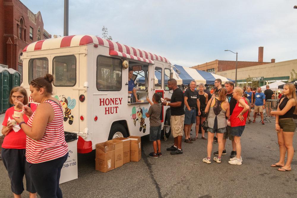 Honey Hut truck.jpg