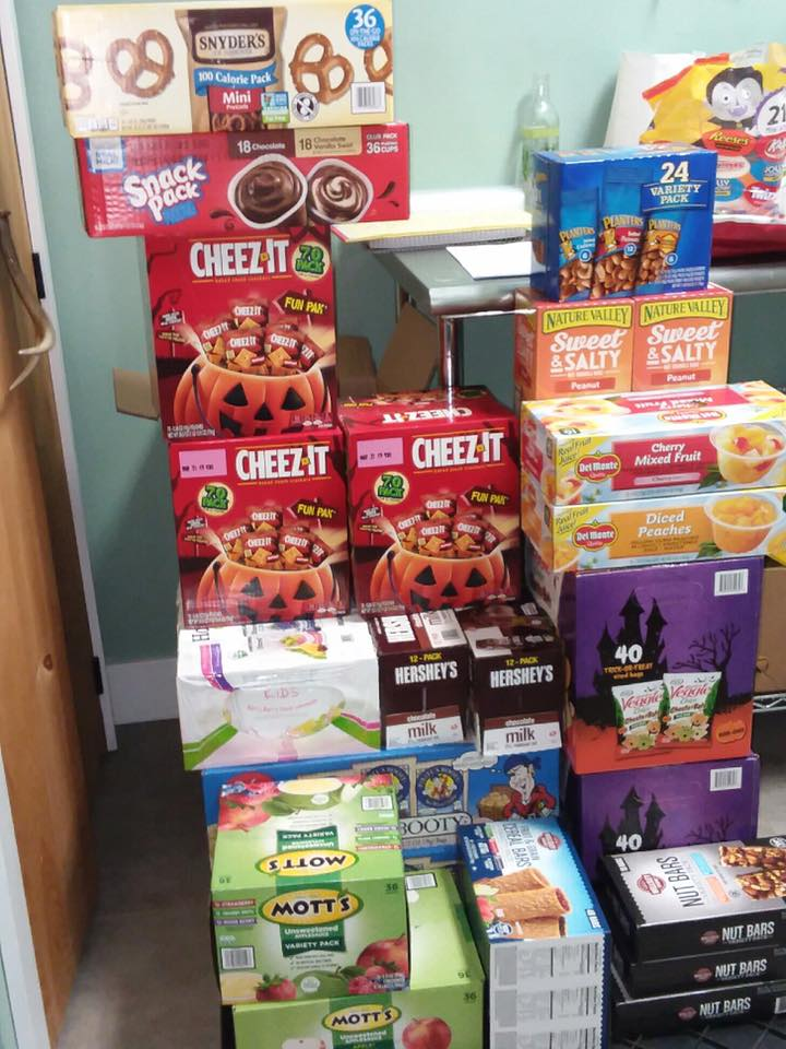 Nutrition on the Green, LLC of Lebanon did a snack donation for us to distribute in our schools. This is a great idea cause we struggle to keep up with the demand.