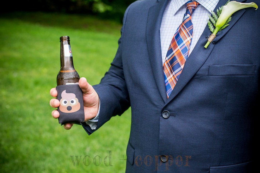 .....it seems somebody put poo on the Best Man's beer.... o.O