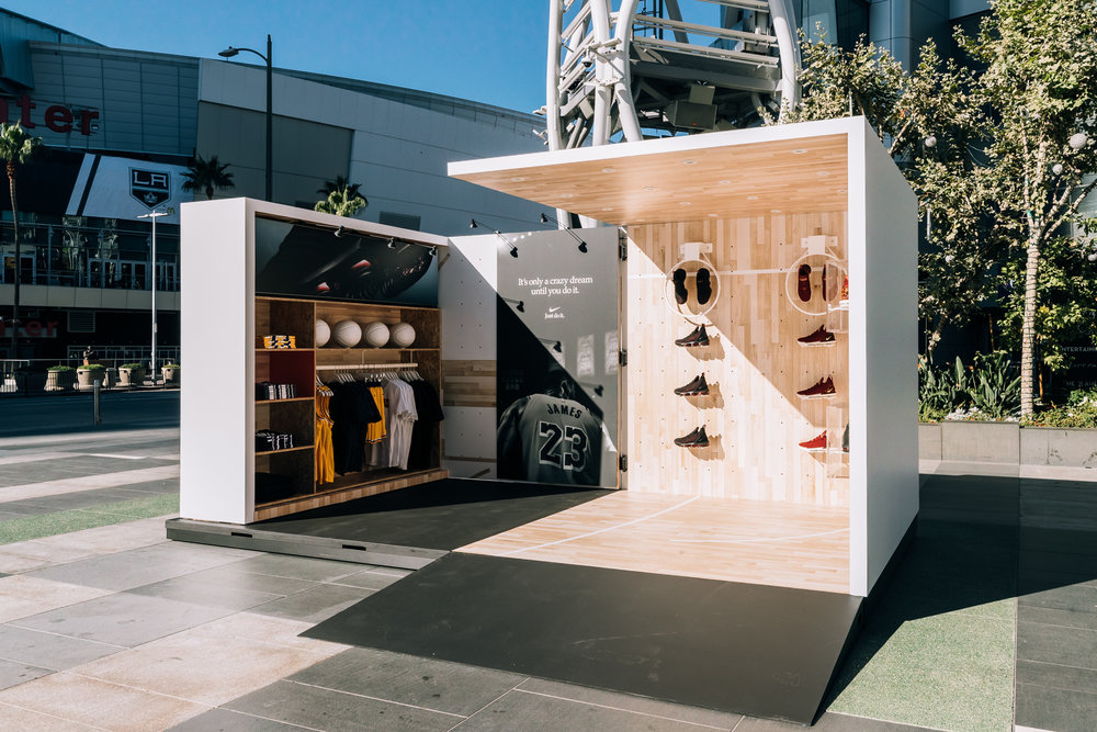 House of Hoops - Courtside    Los Angles, CA \\ 2018