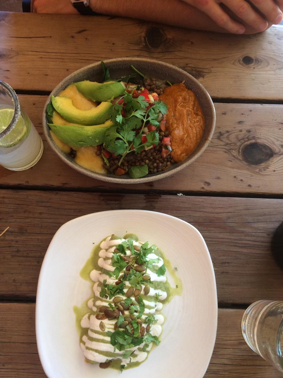 Bowl Dos & Quesadilla De Calabaza