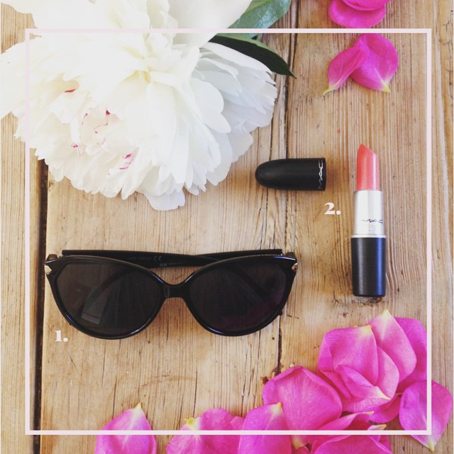 On the blog today, the holy grail of summer lip colour and the perfect cats eye sunglasses. Link up there in profile 👆🏻 #handm #mac