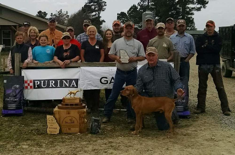 Pictured from Left to Right:  Karen Concilio,  Chad and Nancy Chadwell,  Lily Fountain,  Mark Johnson,  Melissa Thomas,  Jerry Jordan,  Carrie Syczylo,  Carlie Syczylo,  Todd Meyer,  Mikayle Syczylo,  Jamie Fountain (Runner-Up handler),  Mark Calder (owner) with Tibercreeks Billy the Kid (Runner-Up),  Jim Carter (Judge),  Mike Syczylo,  Phil Stout,  Andrew Campbell,  Brian Fidler