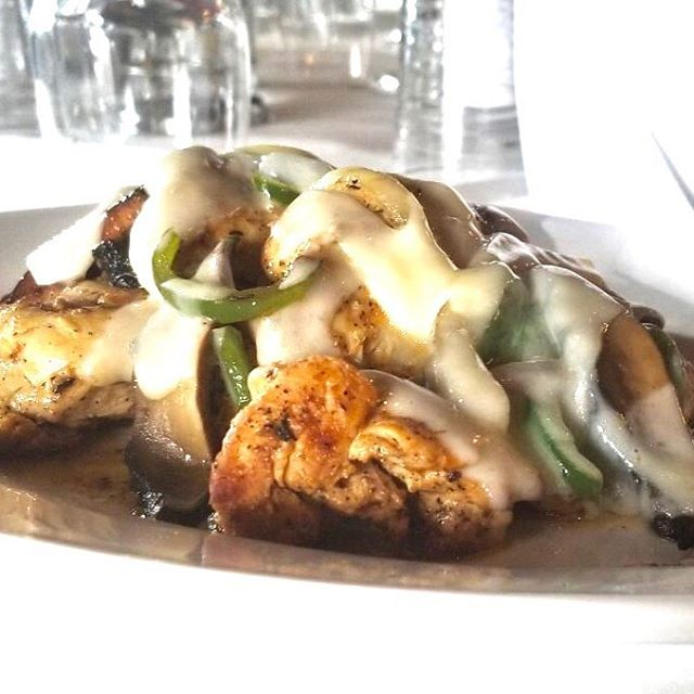 Monday means 2 for $30! Dinner entrée for two combined with your choice of half-bottle Ruffino Chianti, two bottles of Moretti La Rossa, or two bottles of Peroni.  Tonight's Special: House-seasoned chicken, portabella mushrooms, peppers and onion, swiss cheese, choice of 2 sides to share. #portabellachicken #2for30 #momanddads #ruffino #peroni #morettilarossa