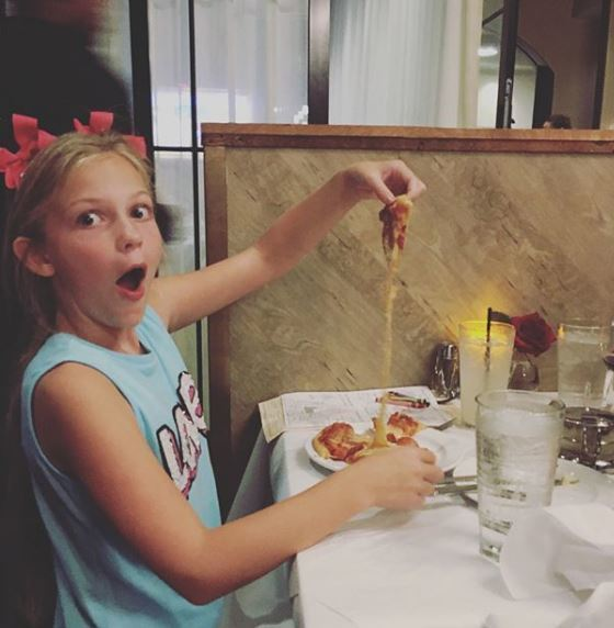 The kids are FREE tonight! With each adult entree purchased, any child under 12 will receive a free kids meal. #kidseatfree #tuesdayspecial #momanddads