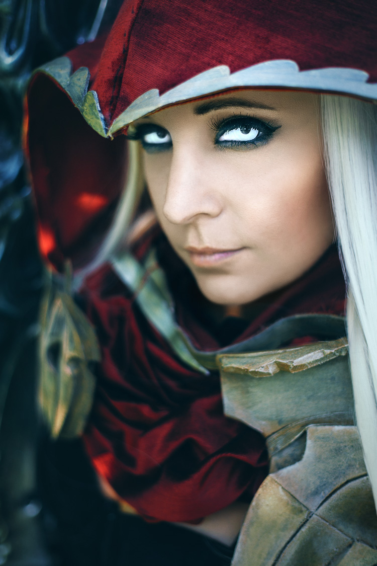 Lauren Bleszinski (@L337Lauren) as War of Darksiders