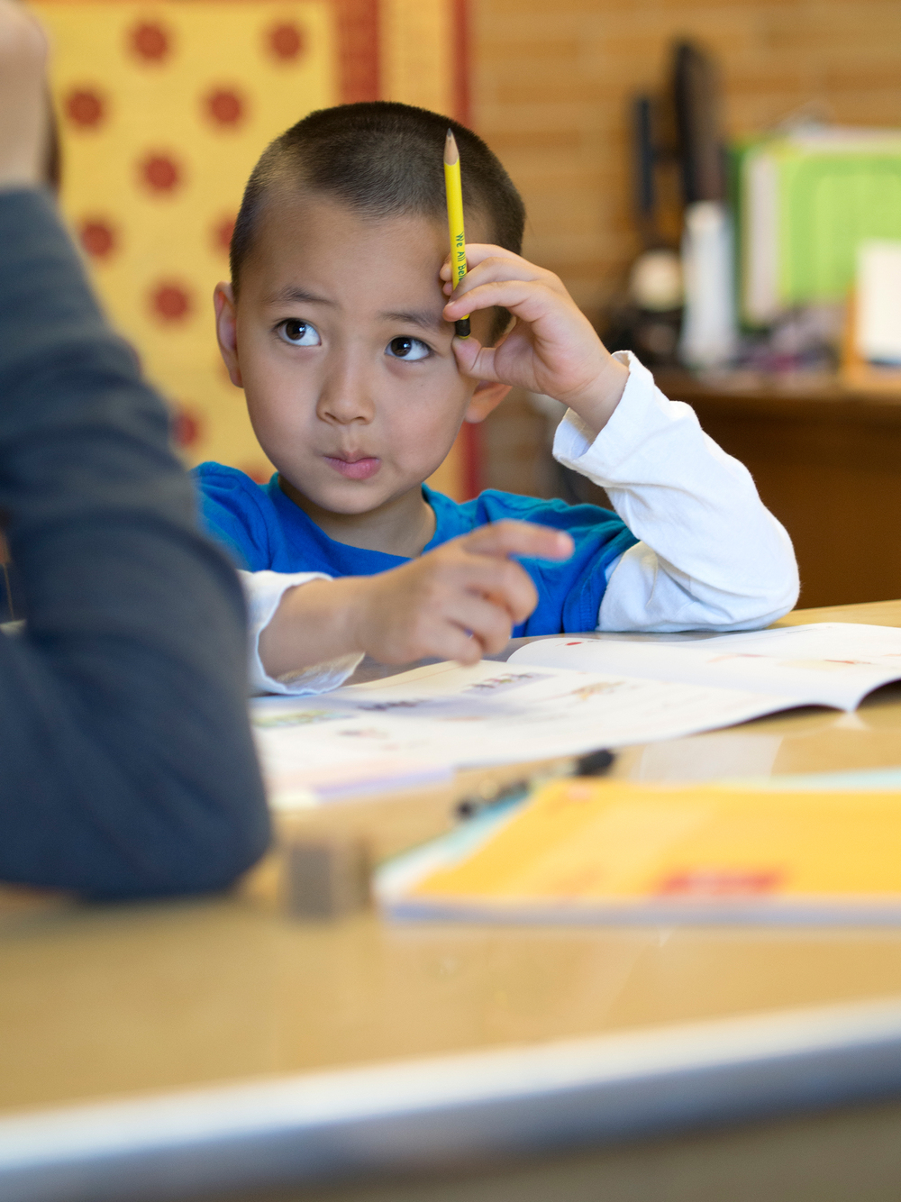 Bilingual student entering kindergarten gets assessed for English language proficiency