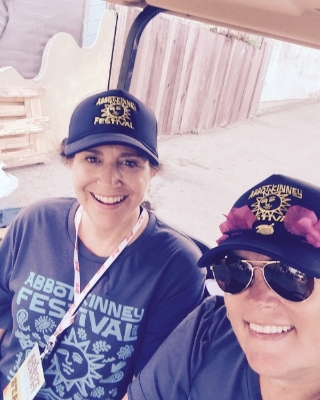 Rendezvous+Kim+Donna.jpg