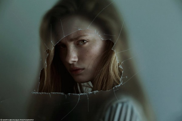 Photo by http://m0thart.deviantart.com/art/Helena-THROUGH-THE-GLASS-465990179