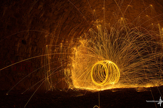 By Dominik Brygier (©DB Fotografie) - Flickr: Sparks everywhere!, CC BY 2.0, https://commons.wikimedia.org