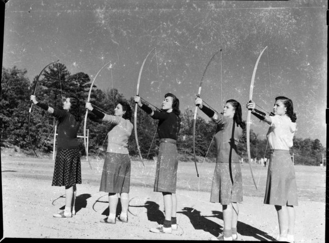 """Archers poised to kill"" (yackety yack 1942)"