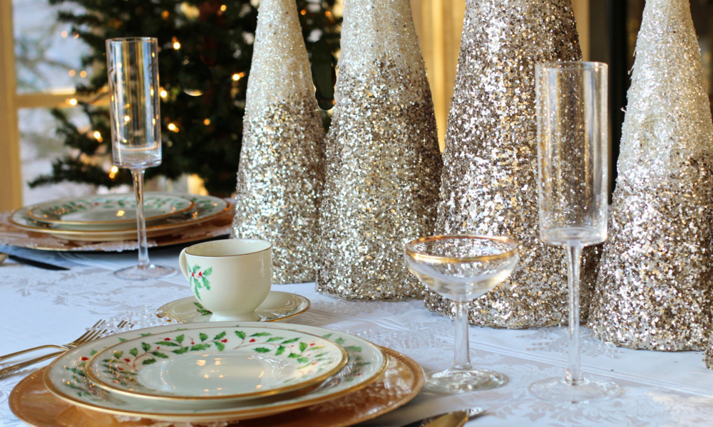 Christmas Champagne (1).png