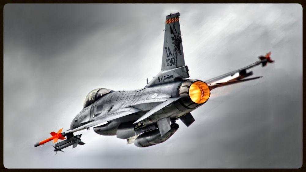 aircraft-planes_hdwallpaper_f16-afterburner-hdr_84953.jpg
