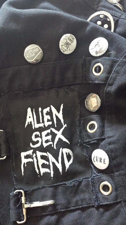 How to diy deathrock jacket for dummies the belfry network also extra goth points for being the most diy possible if you go that route alternatively there are several shops and probably local people in your scene solutioingenieria Images