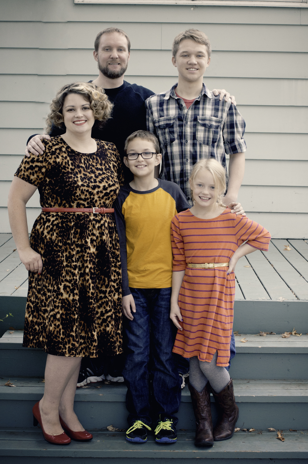 Grell family photos-family standing on steps.jpg