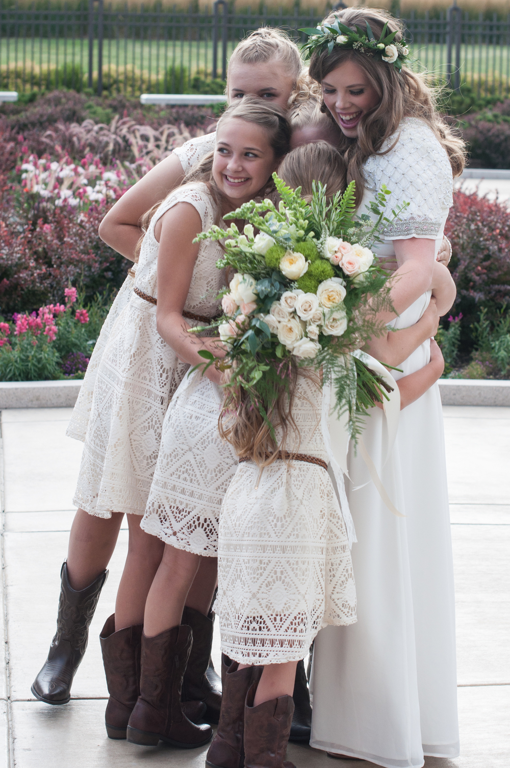 Utah Wedding - Lauren and girls2-1.jpg