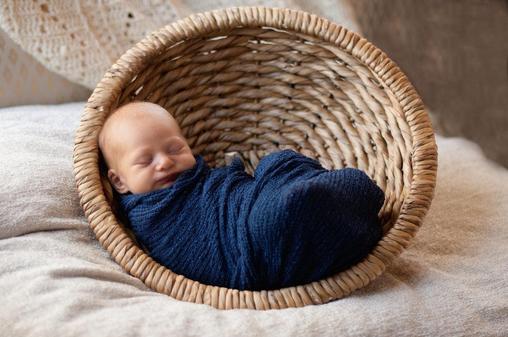 Blue Wrap in the round basket.jpg