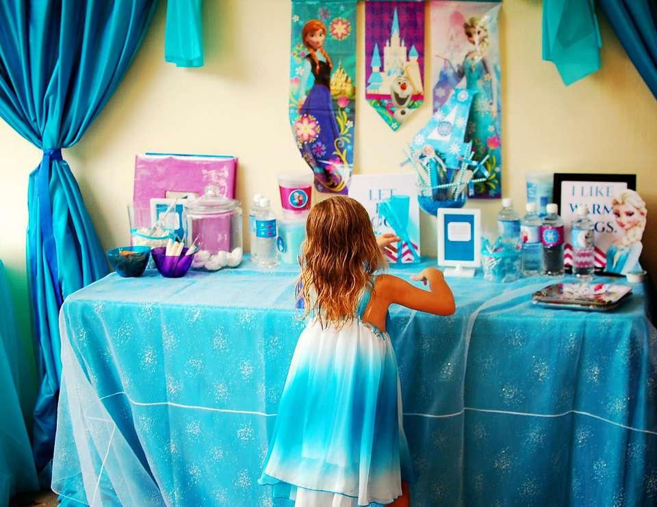 Belle & Zoe's Frozen Fete -