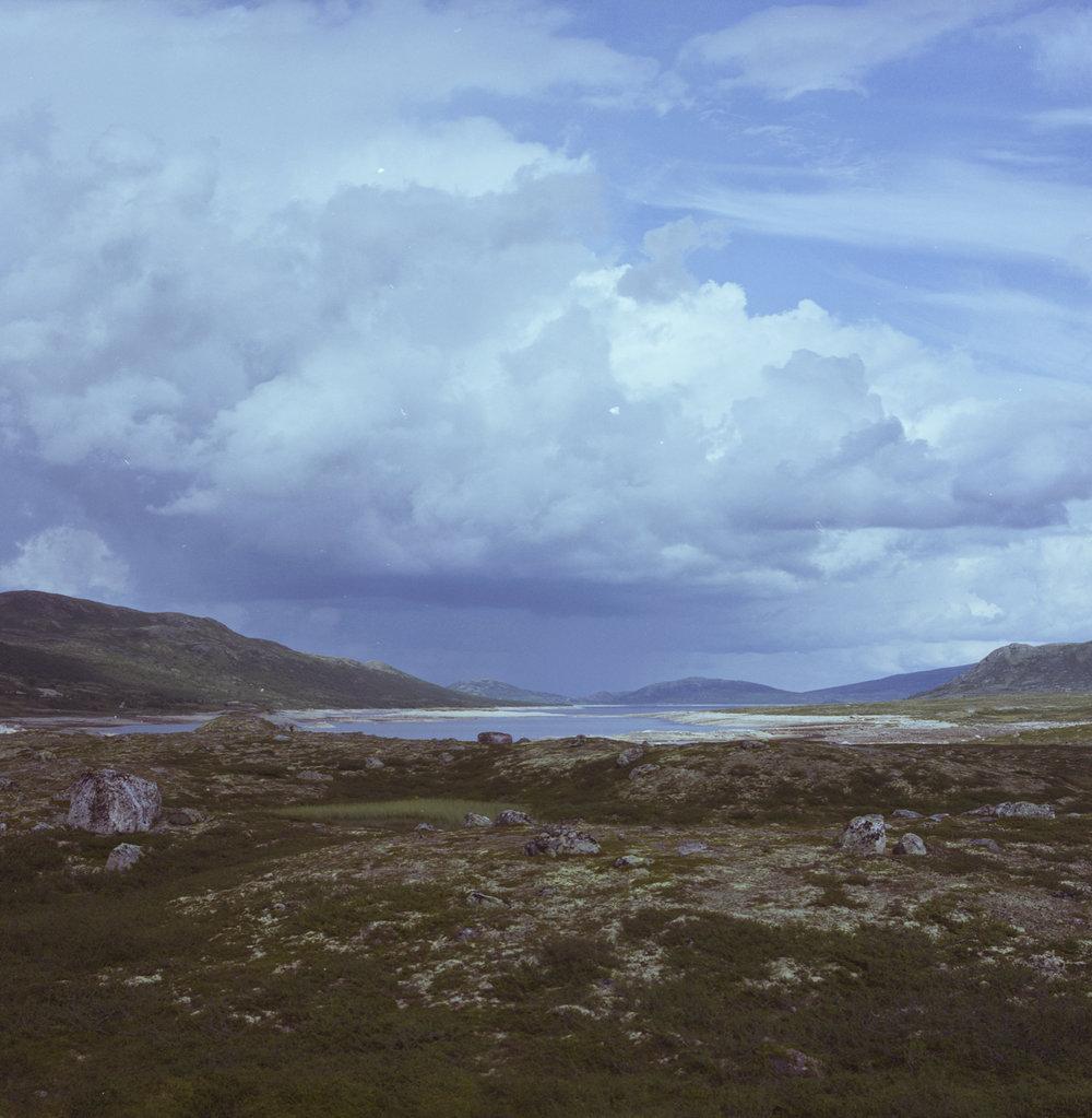 åpent landskap dramatisk himmel 023b.jpg
