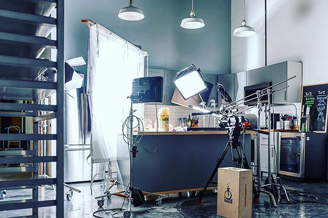 Our kitchen set in full effect! • • • • • #setlife #filmcrew #bts #filmmaking #chicagofilm #cameradept #griplife #filming #videomaker #production #productioncompany #dp #director #cinematographer #phantomflex4k #skillstopaythebills #action #shotsfired #directorofphotography #gripdept #kitchen #filmset #cinematographylife #slomotion #highspeed #thunderlab
