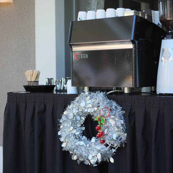 merry_xmas_coffee_cart.jpg