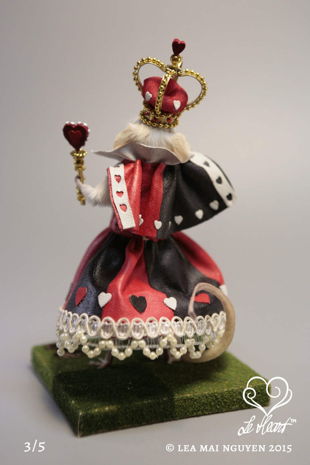 Queen of Hearts 3/5