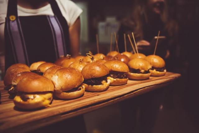 STKBB | Takeaway burgers in St Kilda