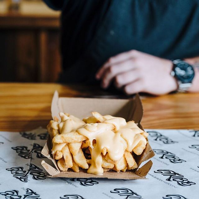 Is it just us or do cheese pours happen in slow motion? 😍 🧀