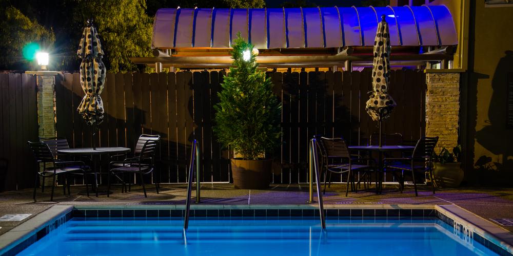 Pool Lounge.jpg