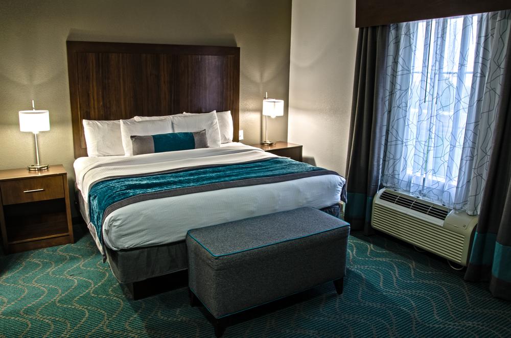 Bedroom_Suite_HDR.jpg