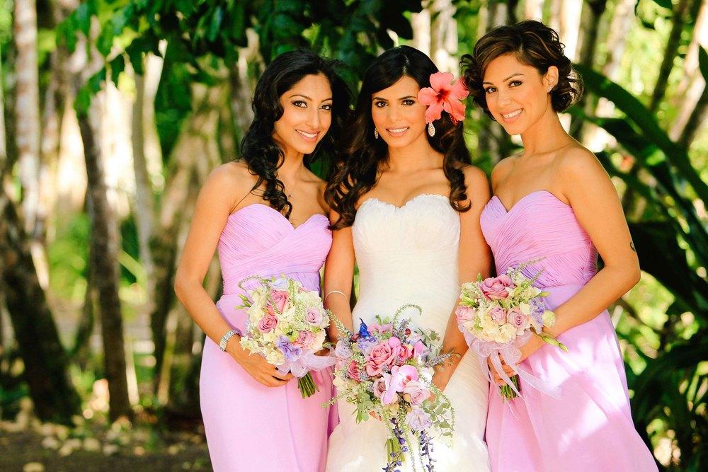 Hawaii Wedding Photography Bride and Bridesmaids