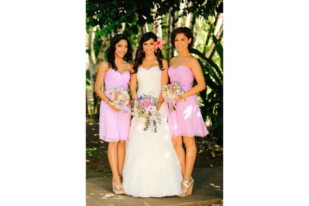 Oahu Wedding Photography Bride and Bridesmaids
