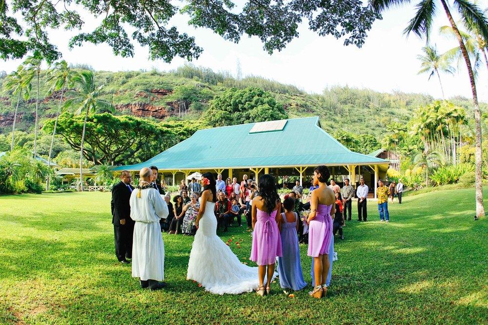Hawaii Wedding Photography Ceremony at Waimea Valley