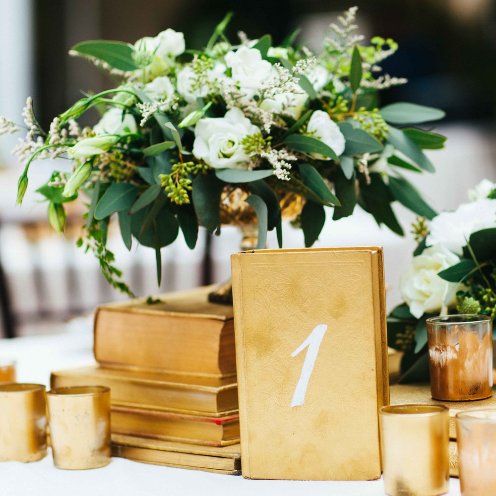 hawaii wedding photography green gold decor