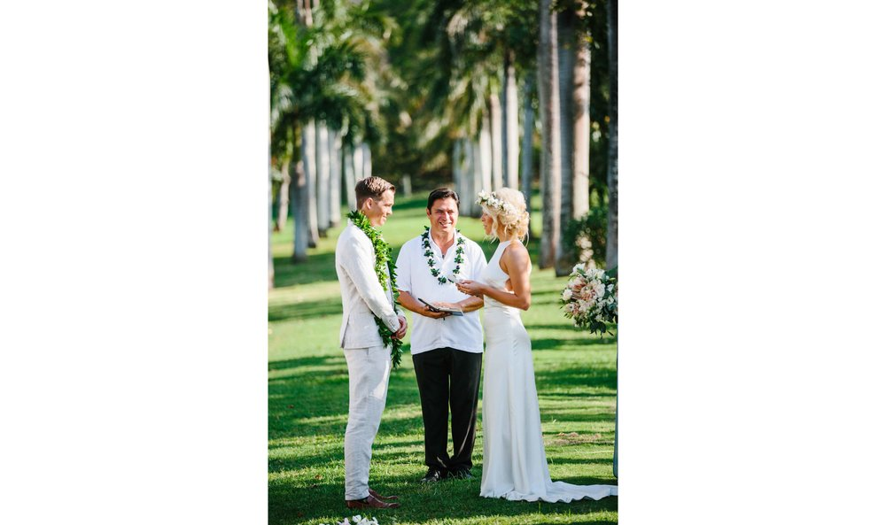Wedding Ceremony with Bride and Groom in Hawaii