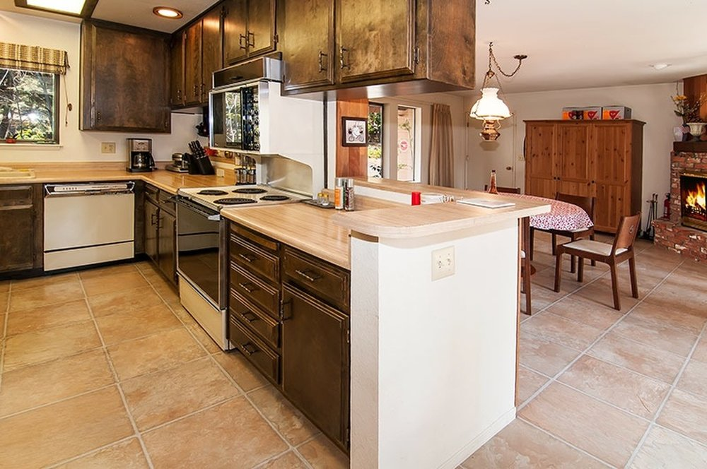 KitchenBefore.jpg