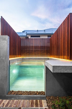 Residential plunge pool