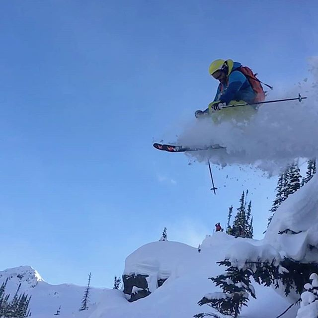 ...Winterscaping * * * 📷: @mattyrichardo  #jadelandscaping #landscapes #snowscapes  #yegcustom #yeglandscaping #skiing #backcountry #ski #escalpine #yegski #selkirks