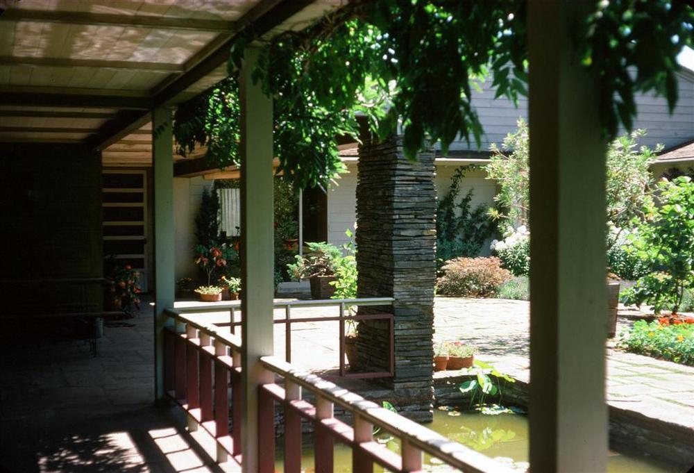 Yeon Watzek courtyard (Large).jpg