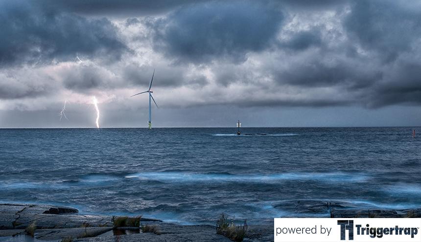 Riku Kuparinen captured this epic lightning landscape with the help of Triggertrap Mobile!