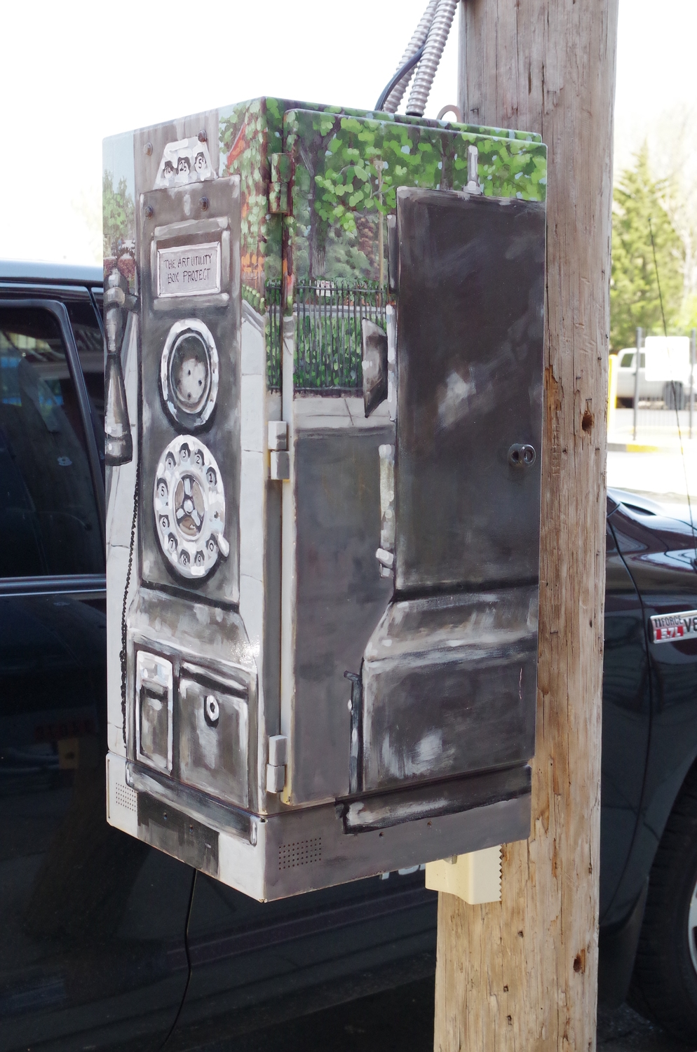Cincinnati Bell utility box painting in Clifton, Cincinnati, Ohio, 2014