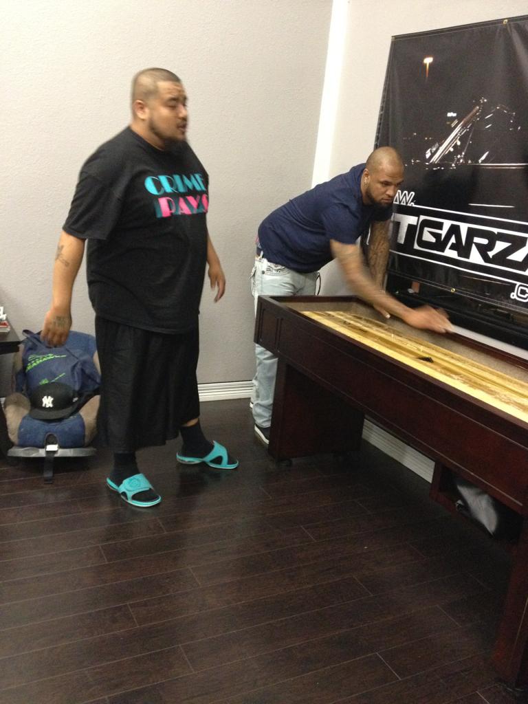 the-machine-life :     @Biggroy @slimthugga on the shuffle board.. Machine Studios 2012