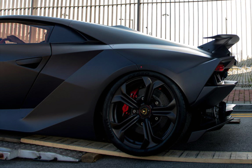 Lamborghini Sesto Elemento via  Chester