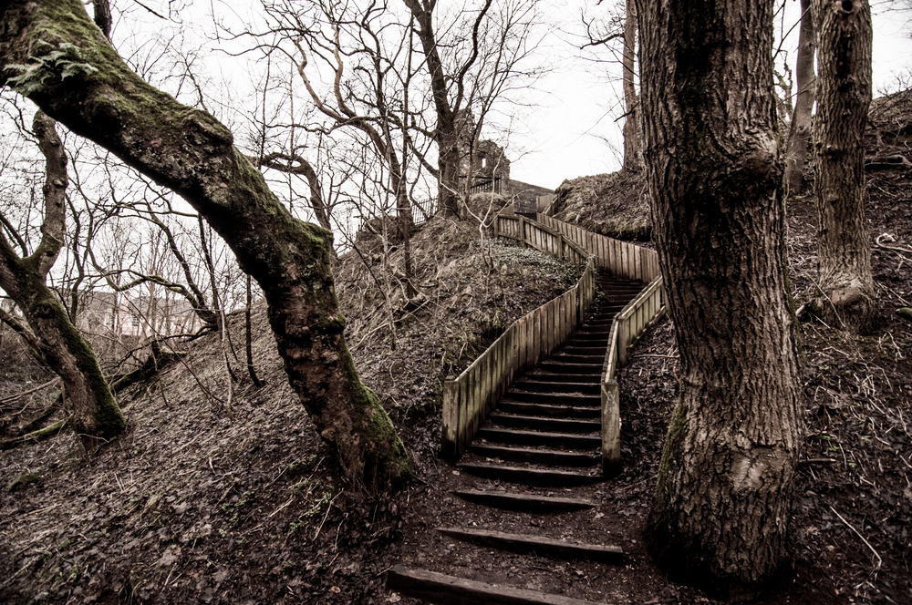 """""""secret"""" path from or to the castle"""