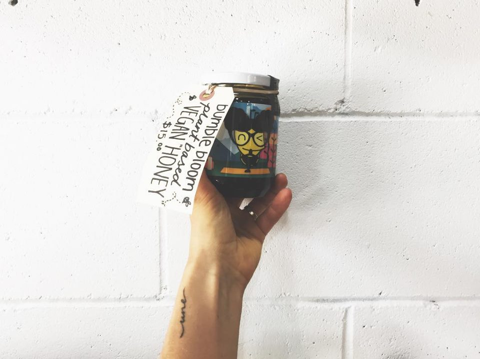 BUMBLE BLOOM   To bee or not to bee.  Plant based honey alternative new to the shop :  @bumblebloom  is derived from apple juice \\ cider vin + sugar.